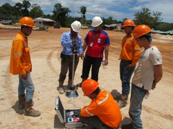 INDONESIA - compaction control in road construction with HMP LFG